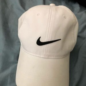 White nike sports cap